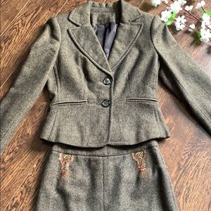 VINTAGE Wool suit blazer and skirt Size 2